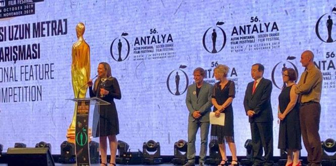 Urban Distrib - Best Actress Award for Regina Casé at Antalya Film Festival 2019